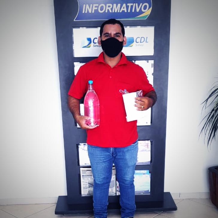 Associados recebem álcool liquido 70%, doados pela Inpasa a Unesim que repassou à CDL